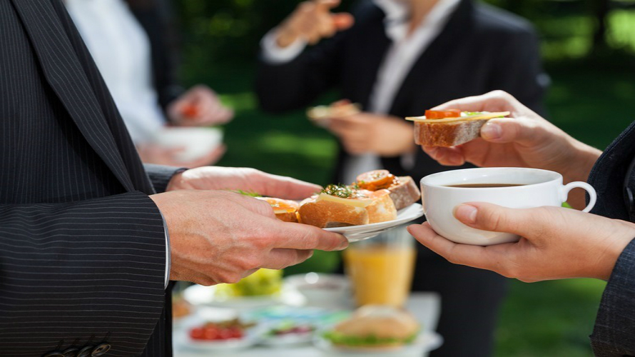 Know how hiring the best catering services in singapore for Best catering services