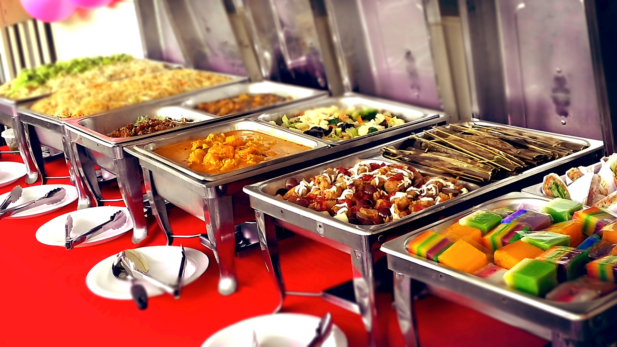 Add A Spark To Your Wedding Reception Through Hiring The Best Buffet Catering Services In